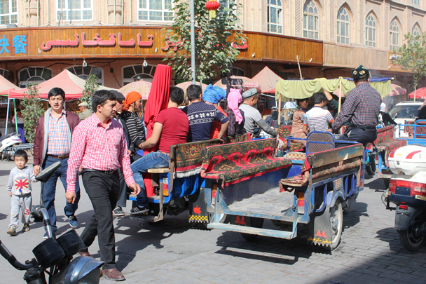 Street scene in Kashgar - Along the Silk Road from Korla to Kashgar, 2015/09