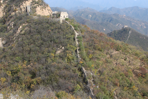 A view of where the wild wall dead ends at a cliff - Longquanyu and Little West Lake Great Wall, 2015/10/24