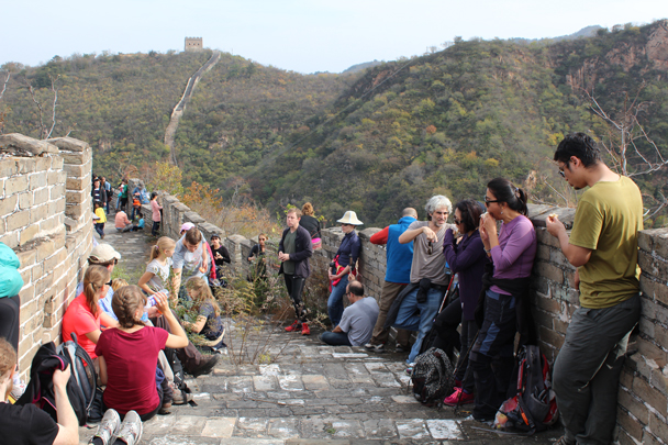 Back on to a restored section, after pushing through the trees on the unrestored section - Longquanyu and Little West Lake Great Wall, 2015/10/24