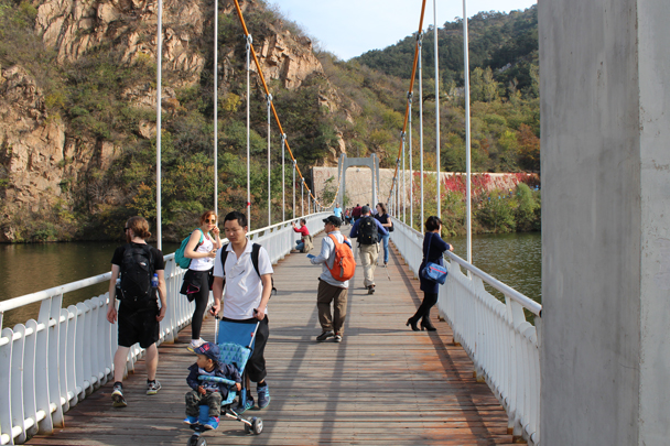A suspension bridge in the park - Longquanyu and Little West Lake Great Wall, 2015/10/24