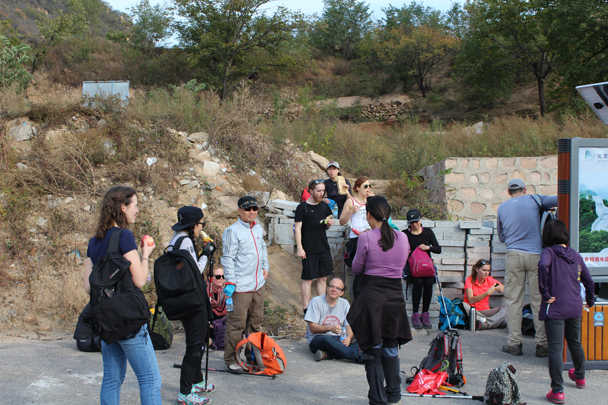 Getting ready for the big climb up to the next section of wall - Longquanyu and Little West Lake Great Wall, 2015/10/24