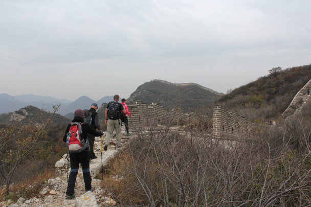 At the top of the steep section the views open up - Middle Route of Switchback Great Wall, 2015/10/25