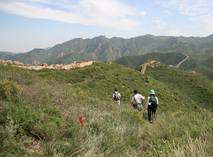 Path by the Great Wall, Beijing Hikers Yanqing Great Wall and Long Valley City hike, 2009-08-23