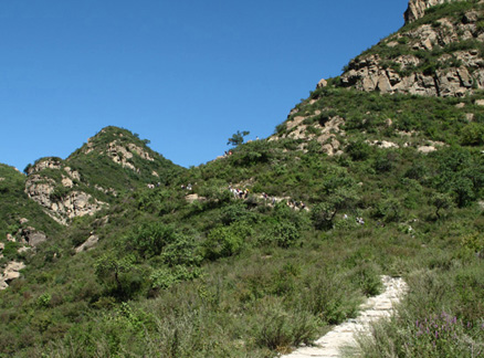 Path up to the reservoir, Beijing Hikers Highest Tower hike, 2009-09-12
