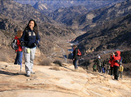 On rocks, Beijing Hikers Longyunshan Heavenly Lake hike, 2009-11-14